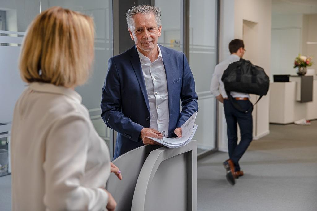 Corporate Fotografie Insolvenzverwaltung Rechtsanwalt Herr Rombach im Gespräch